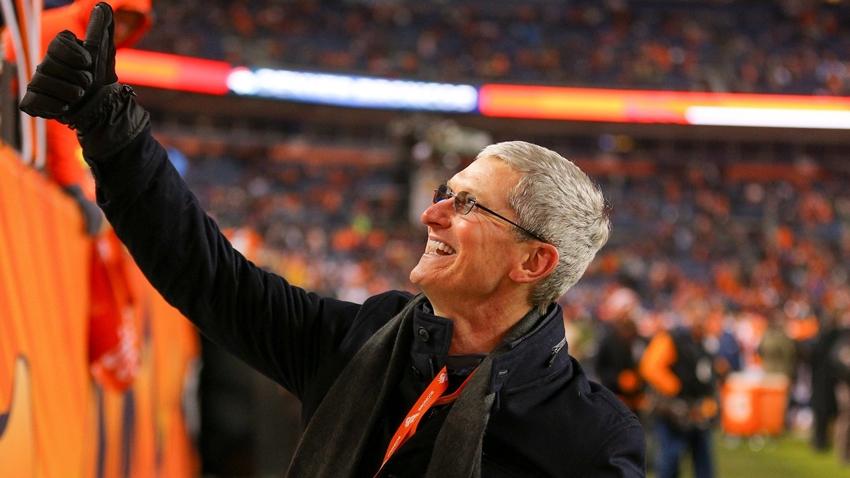 Apple, Tim Cook'a Özel Jet Tahsis Etti