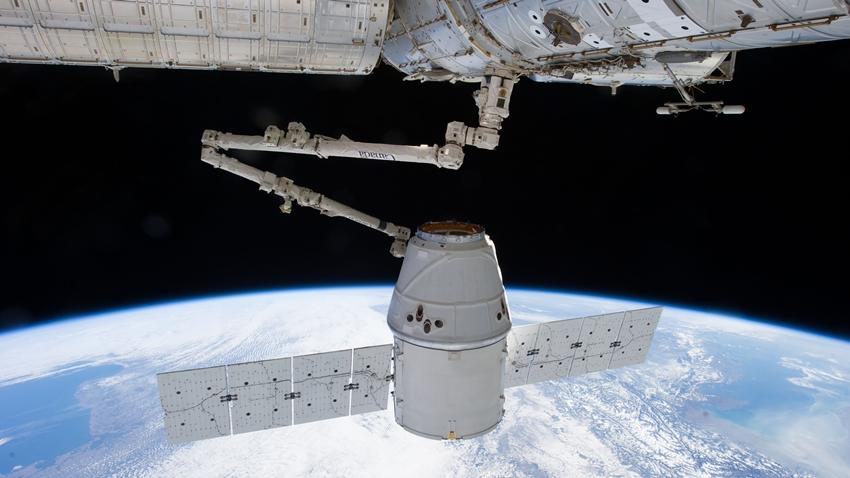 Space X'in Geri Dönüştürülmüş Dragon Kapsülü Kargo Görevini Tamamladı