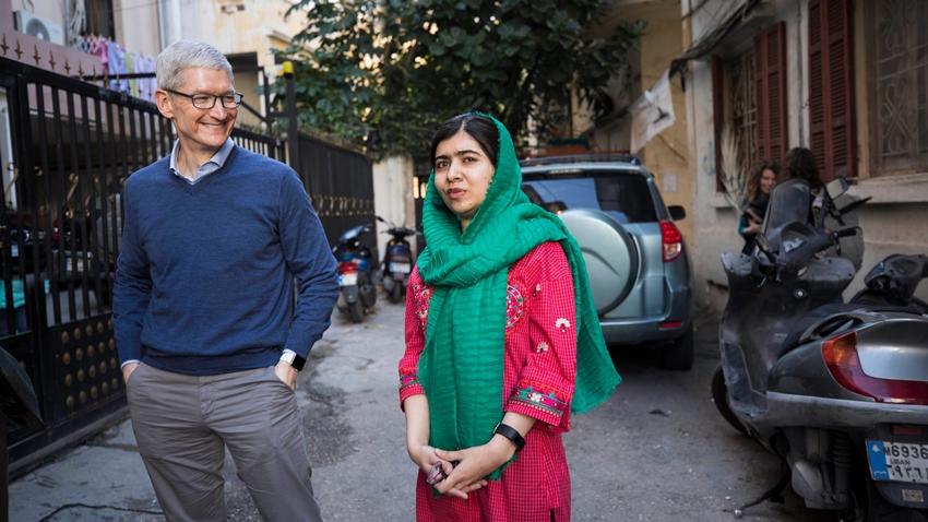 Tim Cook, Nobel Barış Ödülü Malala Yousafzai ile Bir Araya Geldi