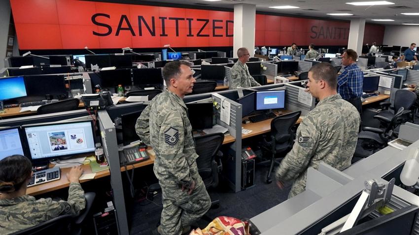 ABD Hava Kuvvetleri'nden Bilgisayar Korsanlarına Rekor Para Ödülü