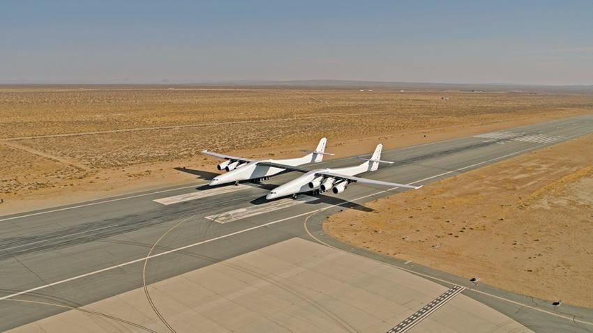 Dünyanın En Büyük Uçağı Saatte 75 Kilometre Hıza Ulaştı