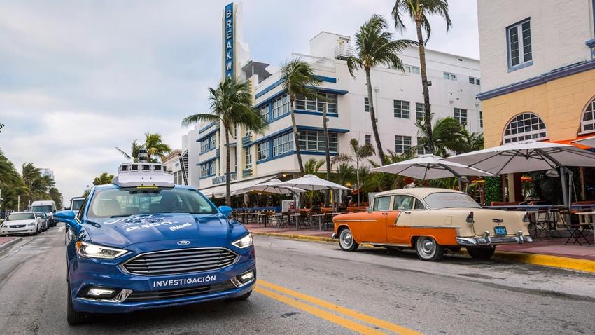 Ford, Otonom Araçlarını Miami Caddelerinde Test Ediyor