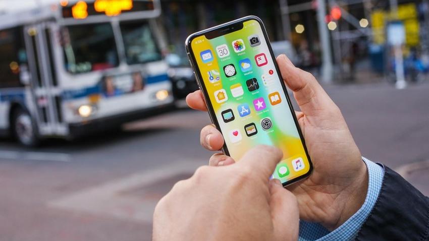 iPhone X'teki Hata, Kullanıcıların Çağrı Cevaplamalarını Engelliyor
