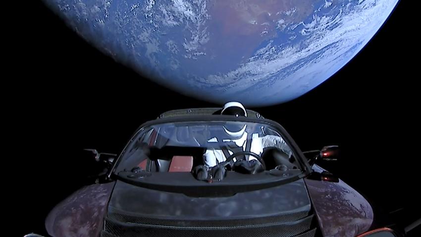 Uzaydaki Tesla Roadster, 2 Milyon Yıl İçinde Dünya'ya Çarpabilir