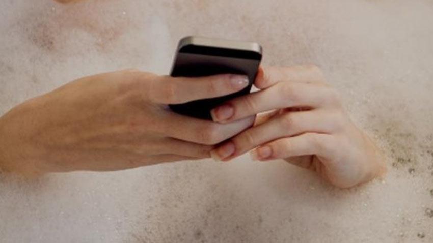 Cep Telefonuyla Küvete