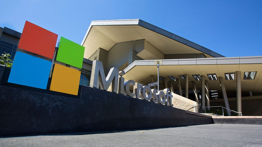 Microsoft 1 trilyon dolar