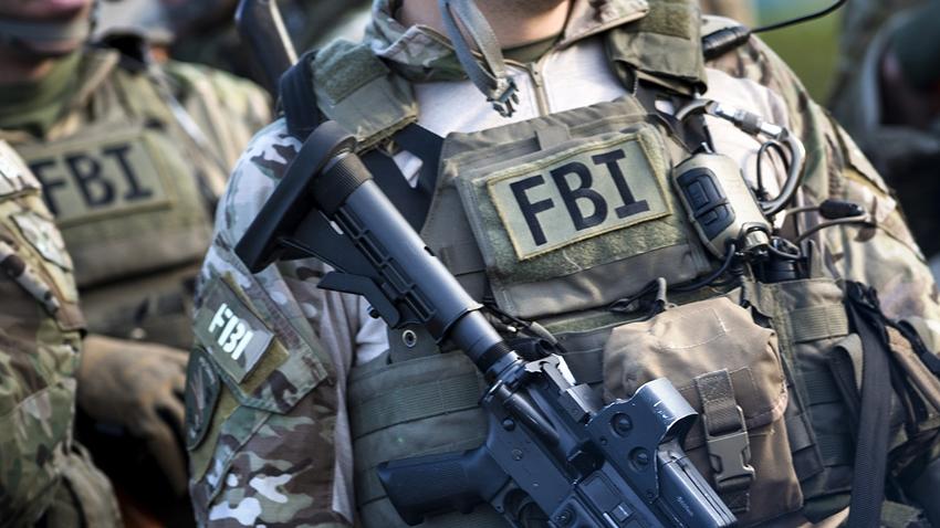 FBI, Suç Örgütlerine Özel BlackBerry Satan Şirketin CEO'sunu Tutukladı