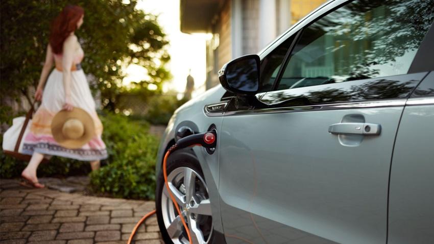 Türk Sürücüler Elektrikli Araba