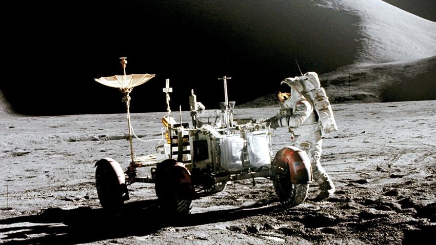 NASA 2022 Ay Görevini İptal Etti