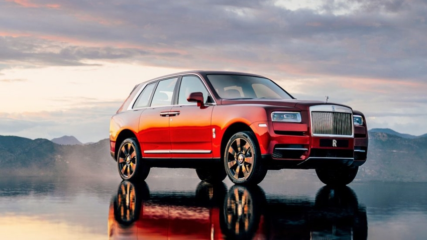 Rolls-Royce'un İlk SUV Modeli Cullinan Görücüye Çıktı