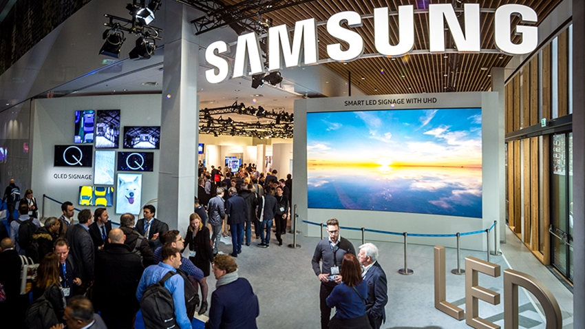 Samsung, Esnek ve Katlanabilir Özellikli OLED Ekranlarını Tanıttı