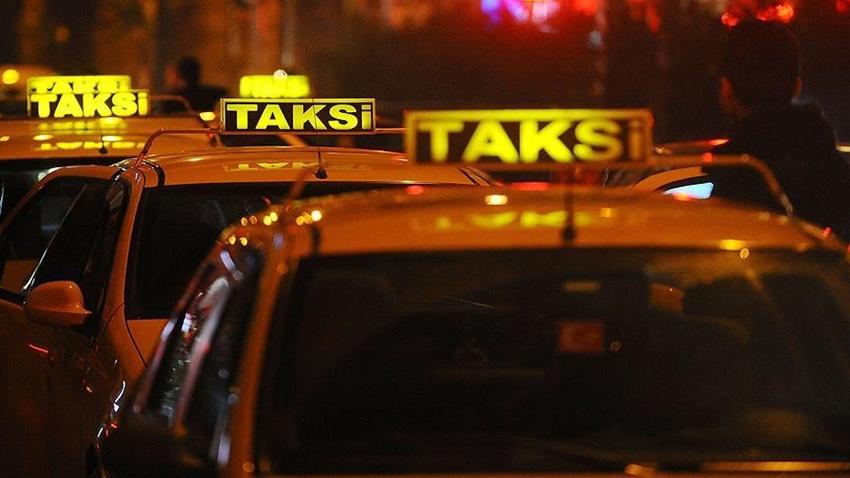 Taksici, Uberci Sandığı Servis Şoförünü Bıçakladı