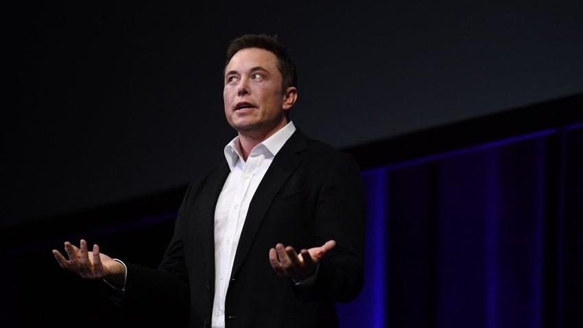 Elon Musk: Uçan Arabalar İnsanların Kafasını Kesebilir