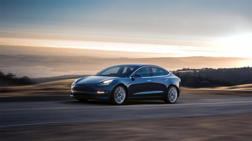 Tesla Otomatik Pilot