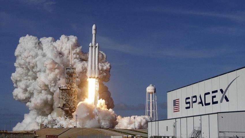 ABD Hava Kuvvetleri'nin Uydusu Falcon Heavy ile Fırlatılacak