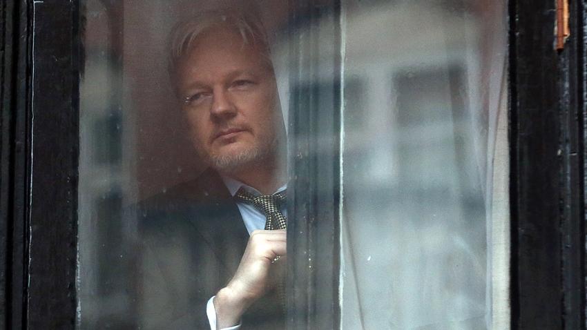 Ekvador Hükümeti, Assange'ın Politik Paylaşım Yapmasını İstemiyor