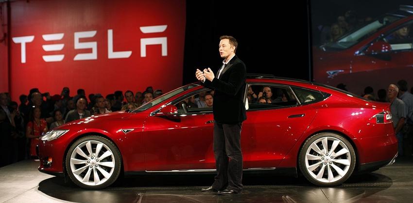 Elon Musk, Tesla'nın Model 3 Üretim Hedefine Ulaştığını Açıkladı