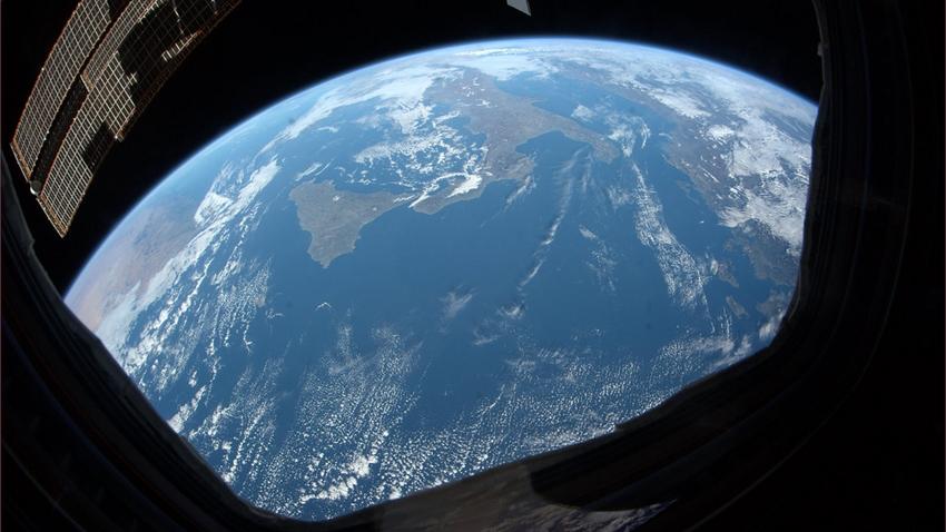 Google, Dünya'nın Düz Olduğuna İnanları Tiye Aldı