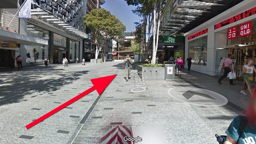 Google Street View kızan genç