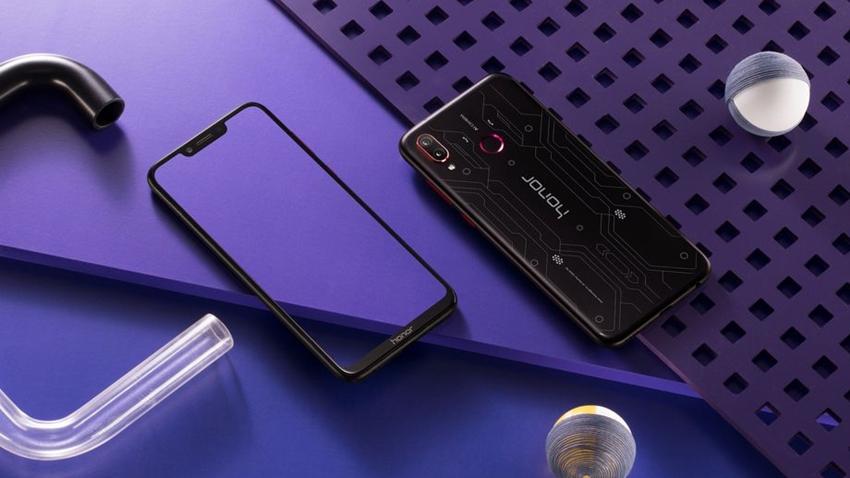Uygun Fiyatlı Oyuncu Telefonu Honor Play Tanıtıldı