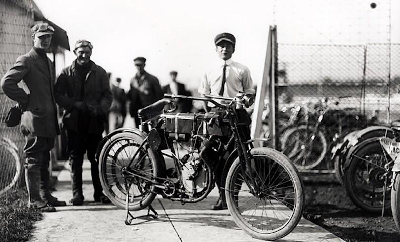 Harley-Davidson – Racer Motorcycle (1903)