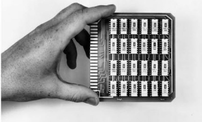 Intel – 3101 Schottky TTL Bipolar 64-bit static RAM (1969)