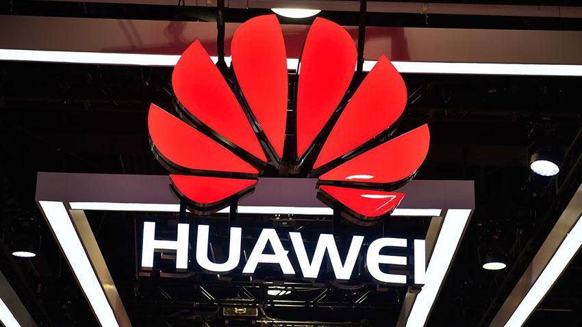Huawei Akıllı Telefonlara Zam Getirdi