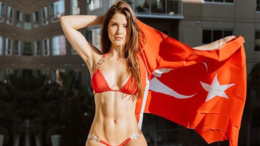 Amanda Cerny Türkiye'de