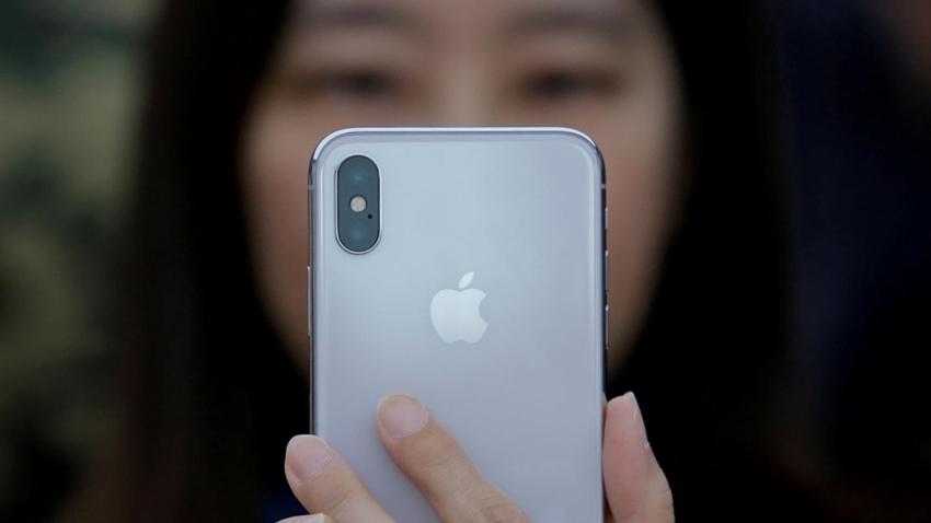 FBI, Şüphelinin iPhone X'ini Face ID ile Zorla Açtırdı!