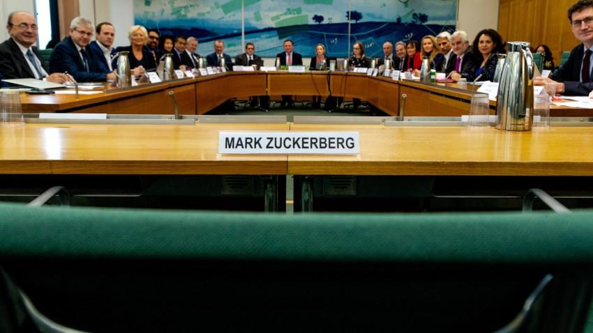 Mark Zuckerberg boş koltuk