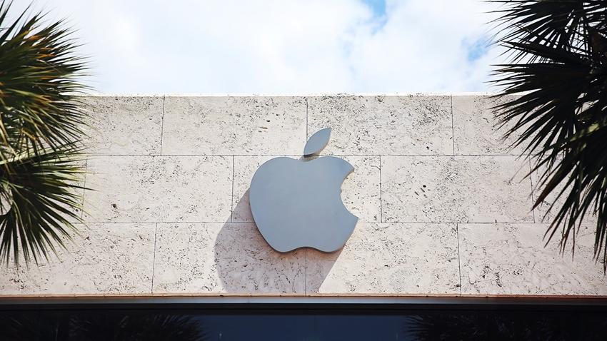 Apple Artık 1 Trilyon Dolarlık Bir Şirket Değil!