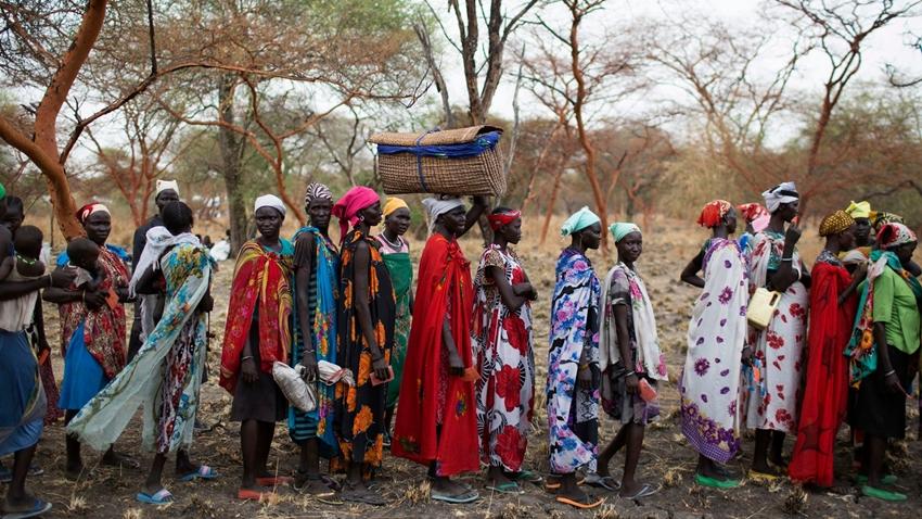 Güney Sudan'daki Bir Aile Kızlarını Facebook'ta İhaleye Çıkardı