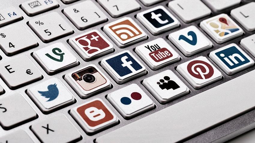 Sosyal Medya Paylaşımları