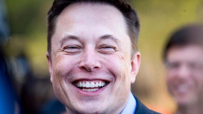 Elon Musk, İlk Boring Company Tünelinin Tamamlandığını Duyurdu