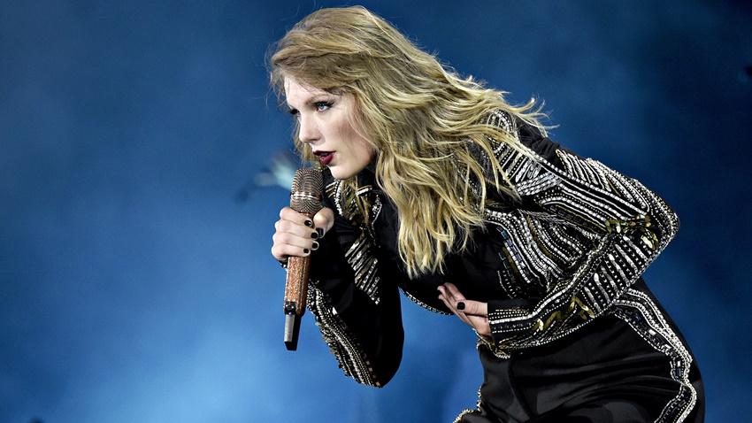 Taylor Swift, Belalı Hayranlarını Yüz Tanıma ile Tespit Etti