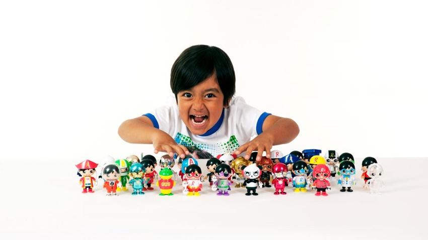 Yedi Yaşındaki YouTuber, Yılda 22 Milyon Dolar Kazanıyor