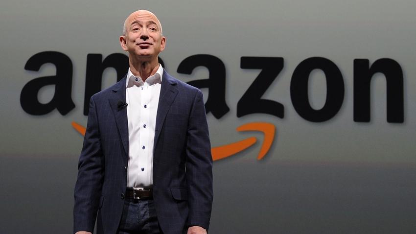 Amazon, Microsoft'u Geçerek Dünyanın En Değerli Şirketi Oldu!