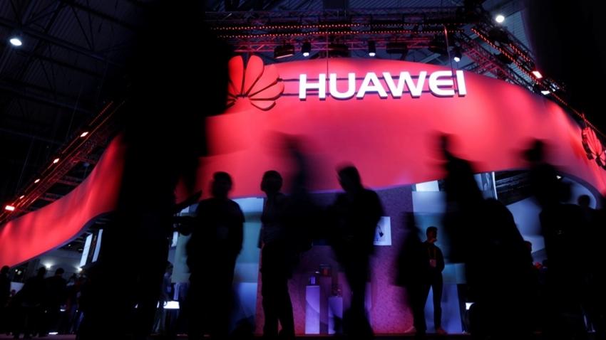 İngiltere, Huawei'i 5G Altyapısından Yasaklamayacak