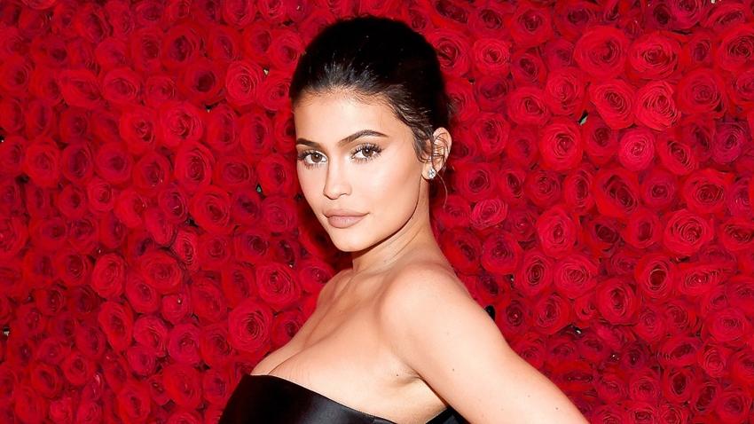 Kylie Jenner, Dünyanın En Genç Milyarderi Ünvanının Sahibi Oldu