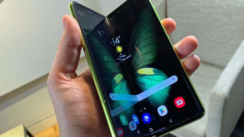 Samsung Katlanabilir Telefon Galaxy Fold Arıza 1