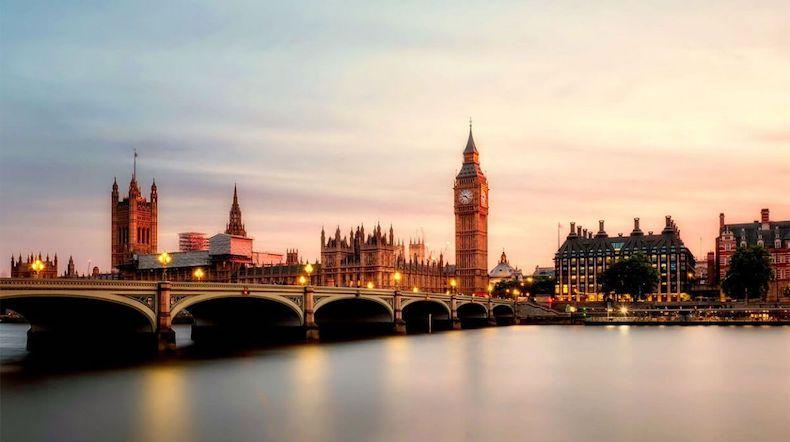 1. Londra - İNGİLTERE