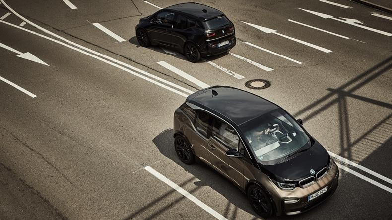 BMW ve Daimler, Otonom Sürüş Teknolojisi için Güçlerini Birleştiriyor