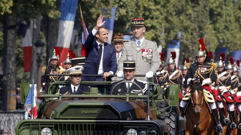 Fransa Emmanuel Macron, Batille Günü için düzenlenen askeri geçit töreninde.