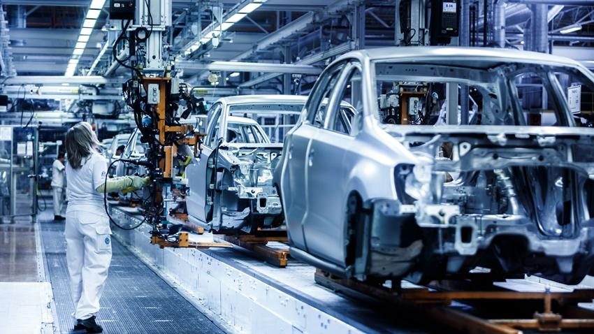 Volkswagen'in 1,3 Milyar Euroluk Yatırımı için Kıyasıya Rekabet