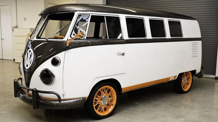Volkswagen'in Hippi Otobüsü Elektrikli Versiyonu ile Geri Dönüyor