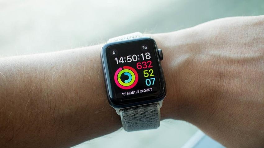 Apple Watch, Akıllı Saat Pazarını Domine Etmeye Devam Ediyor