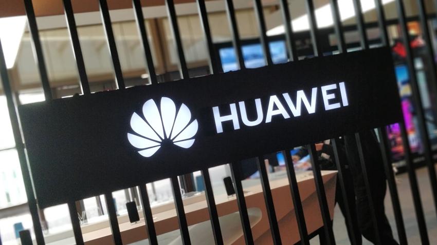 Huawei, ABD Yaptırımlarından Tahmin Ettiği Kadar Etkilenmeyecek