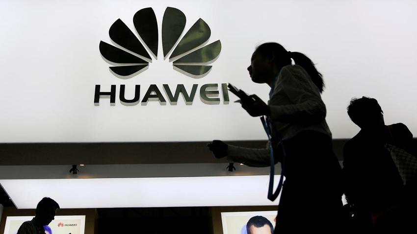 Huawei, Akıllı Telefonlarını Kendi İşletim Sistemi ile Test Ediyor