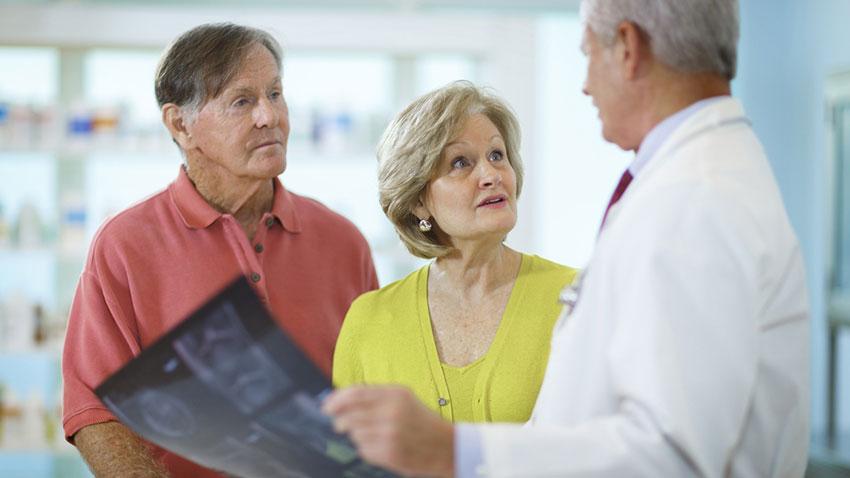 Yaşlı İnsanlar Kanser Hastalığı