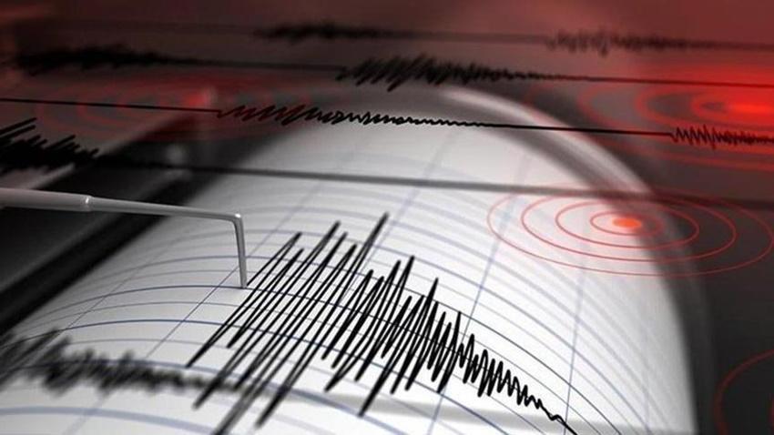 İzmir'de Büyük Deprem Oldu! Sosyal Medya Karıştı #izmirdeprem